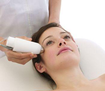 Los beneficios del rejuvenecimiento facial láser