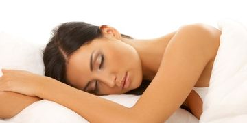 ¿Por qué las mujeres necesitan dormir mas que los hombres?