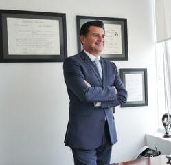 Dr. Arturo Aguirre