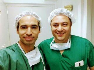 Dr. Brian Frick Especialista en Cirugía Plástica y Reconstructiva y Dr. Fernando Rondano