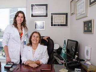 Dra. Frías & Dra. Sylvester